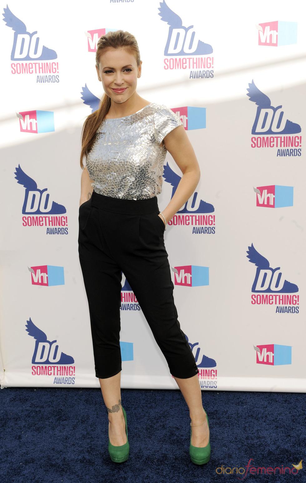 Alyssa Milano en los premios Do Somethig