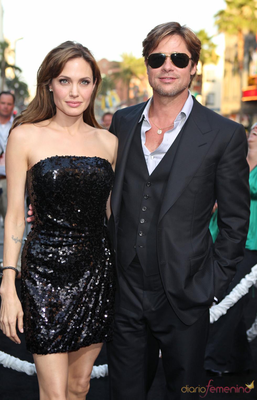 Angelina Jolie promociona 'Salt' junto a Brad Pitt
