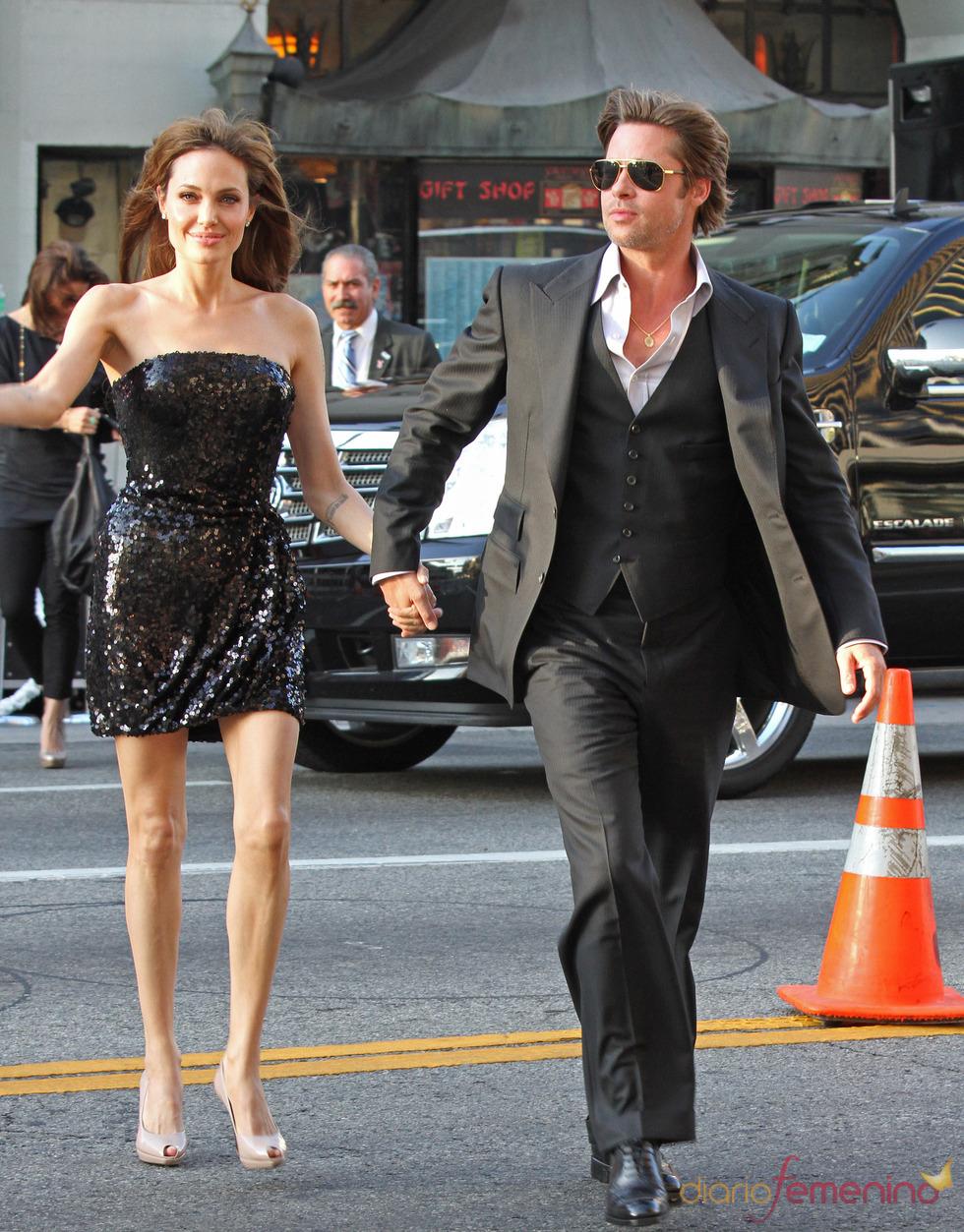 Angelina Jolie y Brad Pitt, llegan al estreno de 'Salt' en L.A.