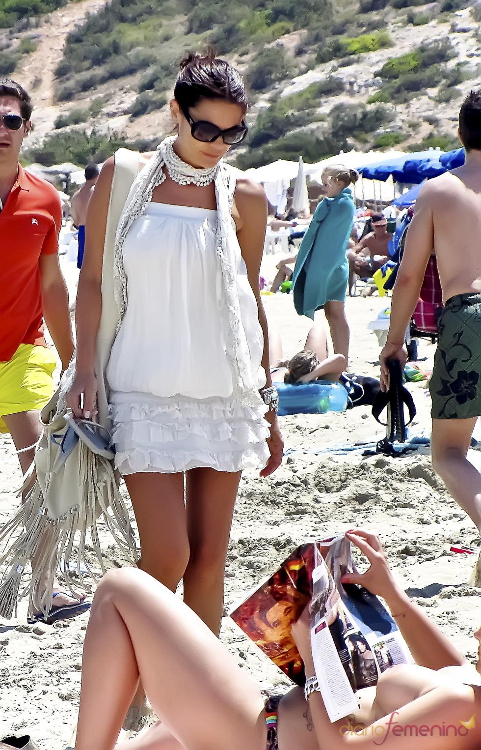 María José Suárez en las playas de Ibiza