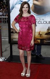Kay Panabaker en el estreno de 'Charlie St. Cloud'  en LA