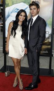 Vanessa Hudgens y Zac Efron, pareja de cine en el estreno de 'Charlie St. Cloud'