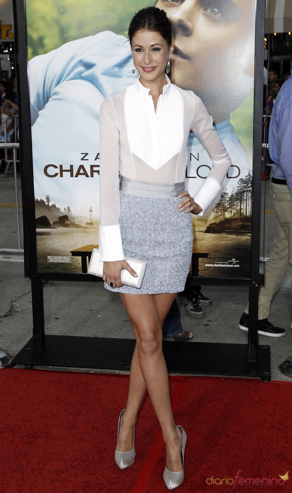 Amanda Crew  en el estreno de 'Charlie St. Cloud' en LA