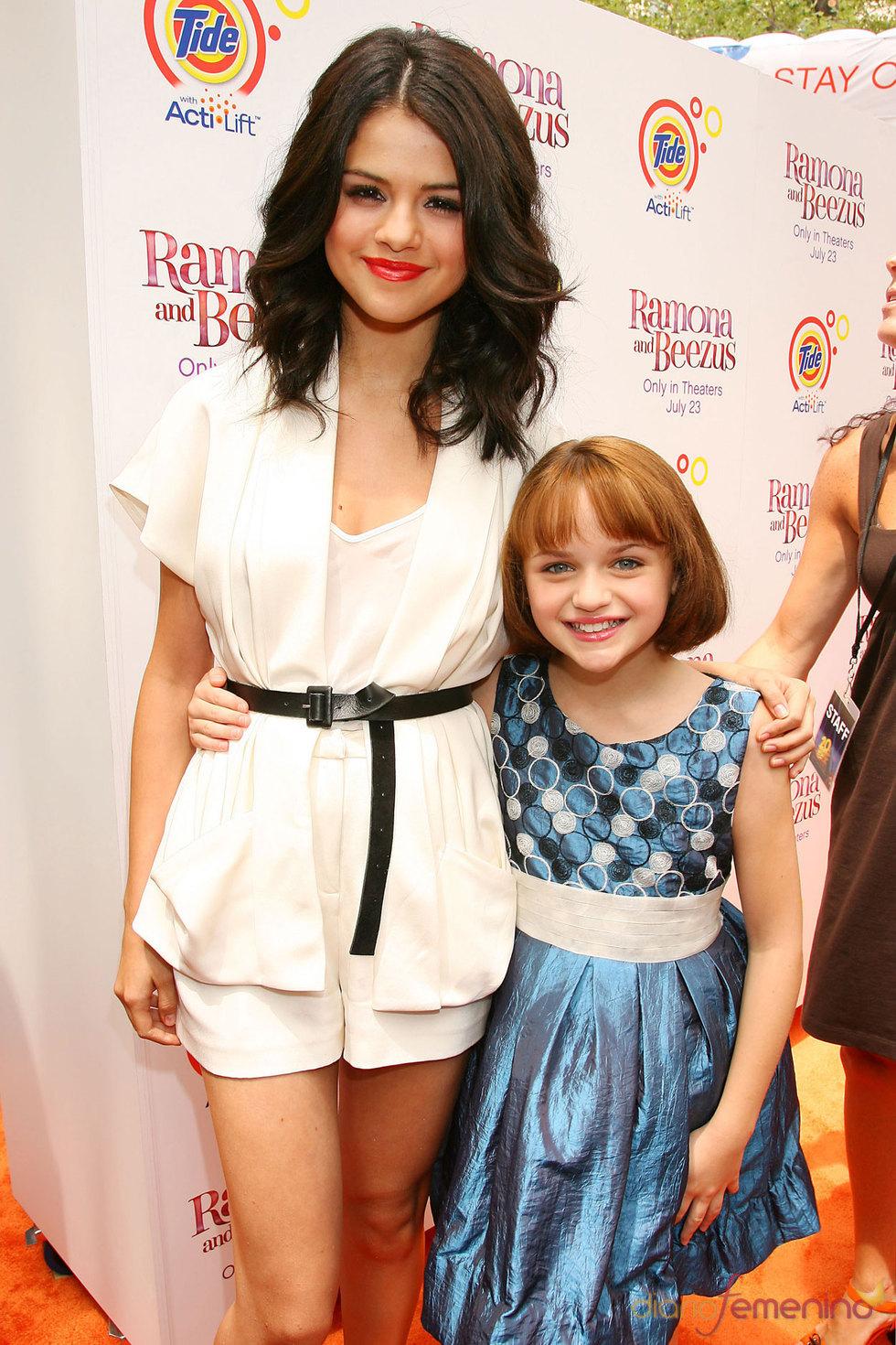 Selena Gomez y Joey King en el estreno de 'Ramona & Beezus'