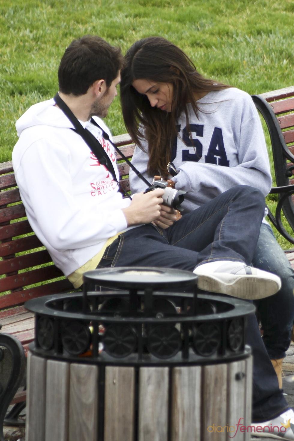 Iker Casillas y Sara Carbonero en un parque de San Francisco