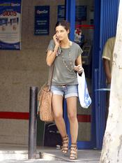 Sara Carbonero con shorts vaqueros