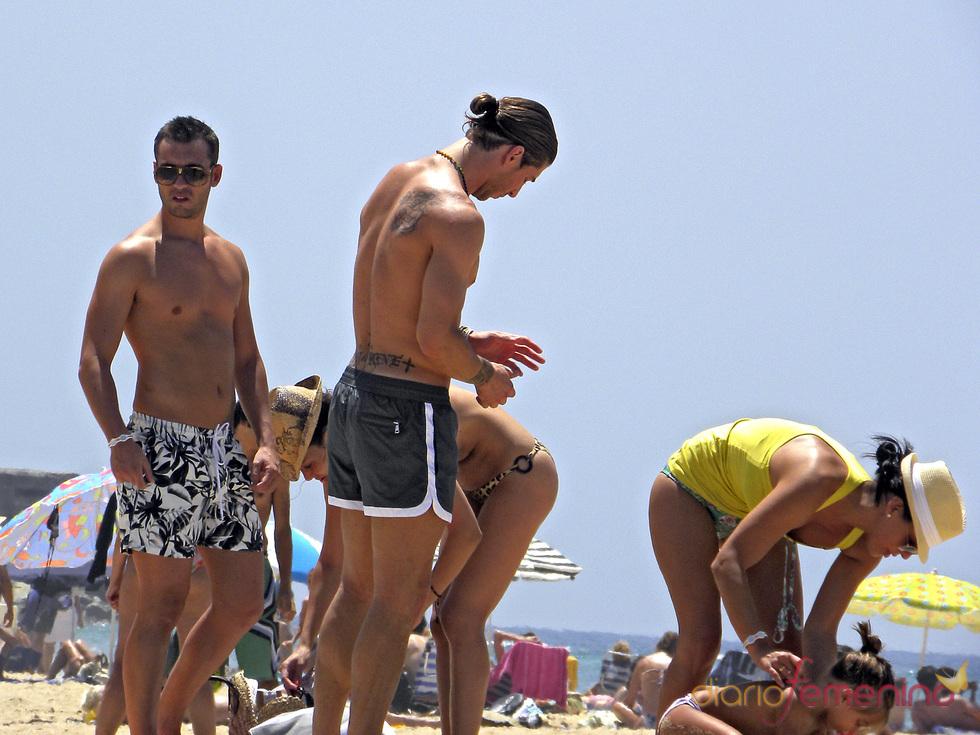 Sergio Ramos luce cuerpo en la playa