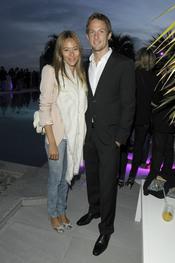 El piloto de Fórmula 1 Jenson Button retoma su relación con Jessica Michibata