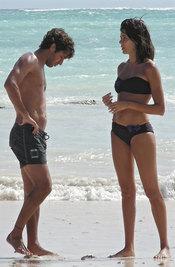 Raúl González y Mamen Sanz, juntos en la playa