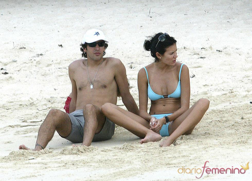 Raúl González y Mamen Sanz pillados en la playa