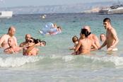 David Villa y Pepe Reina veranean en Ibiza con sus familias