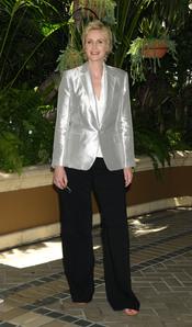 Jane Lynch de 'Glee' deja el chandal para el almuerzo de la HFPA