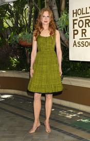 Nicole Kidman posa para los fotógrafos en el almuerzo de la HFPA