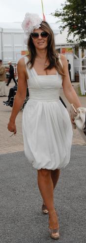 Liz Hurley en el Glorious Goodwood