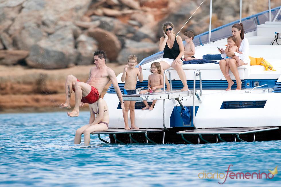Fernando Torres disfruta como un niño más en Ibiza
