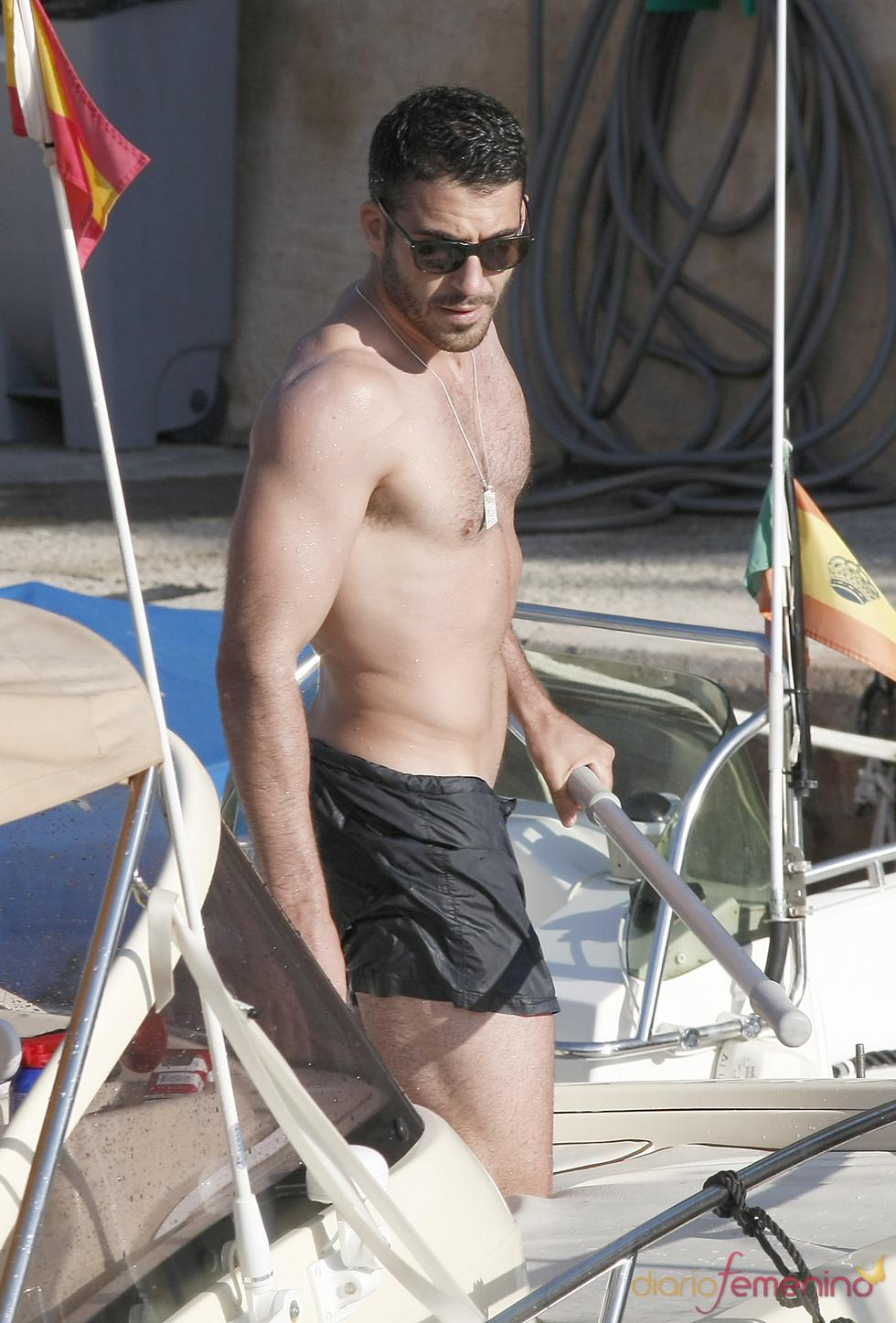 Miguel Ángel Silvestre dispuesto a surcar el mar de Ibiza