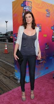 Adrianne Palicki llega a la fiesta All-Star de Fox