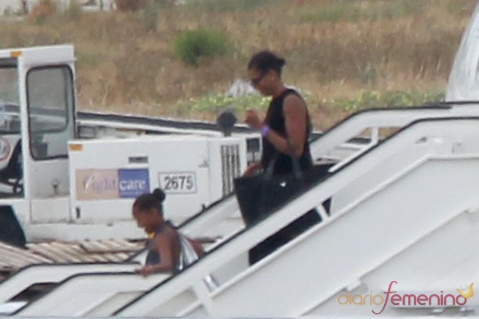 Michelle y Sasha Obama llegan a España