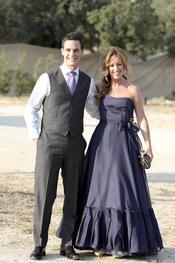 Christian Gálvez posa con Emma García antes de su boda