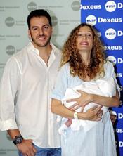 Borja Thyssen y Blanca Cuesta posan con su hijo Eric