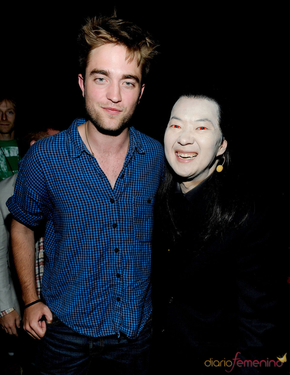 Robert Pattison y Ken Jeong en la gala de los Teen Choice 2010