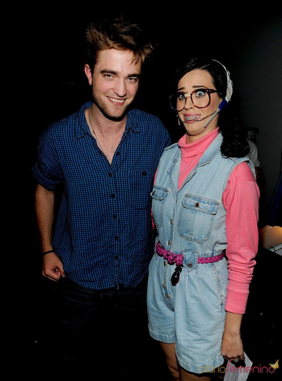 Robert Pattison y Katy Perry en la gala de los Teen Choice 2010