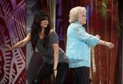Betty White y Sandra Bullock en los Teen Choice 2010