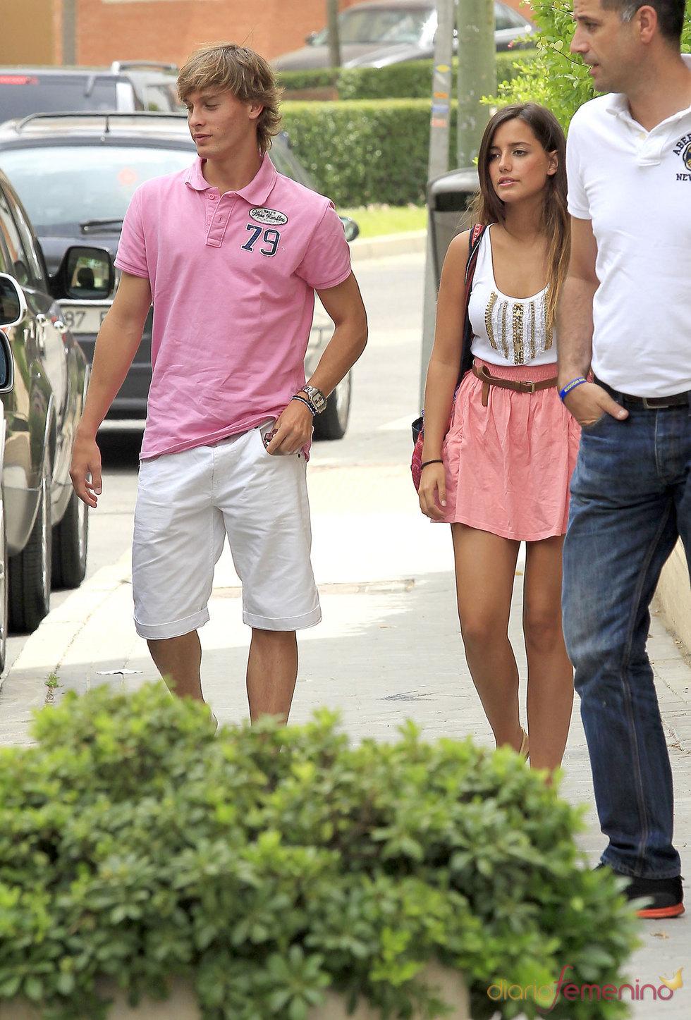Sergio Canales con su novia en Madrid