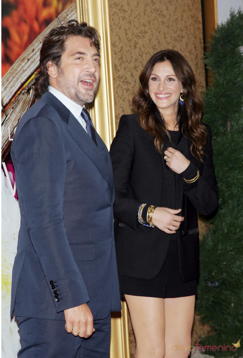 Julia Roberts y Javier Bardem posan en la alfombra roja