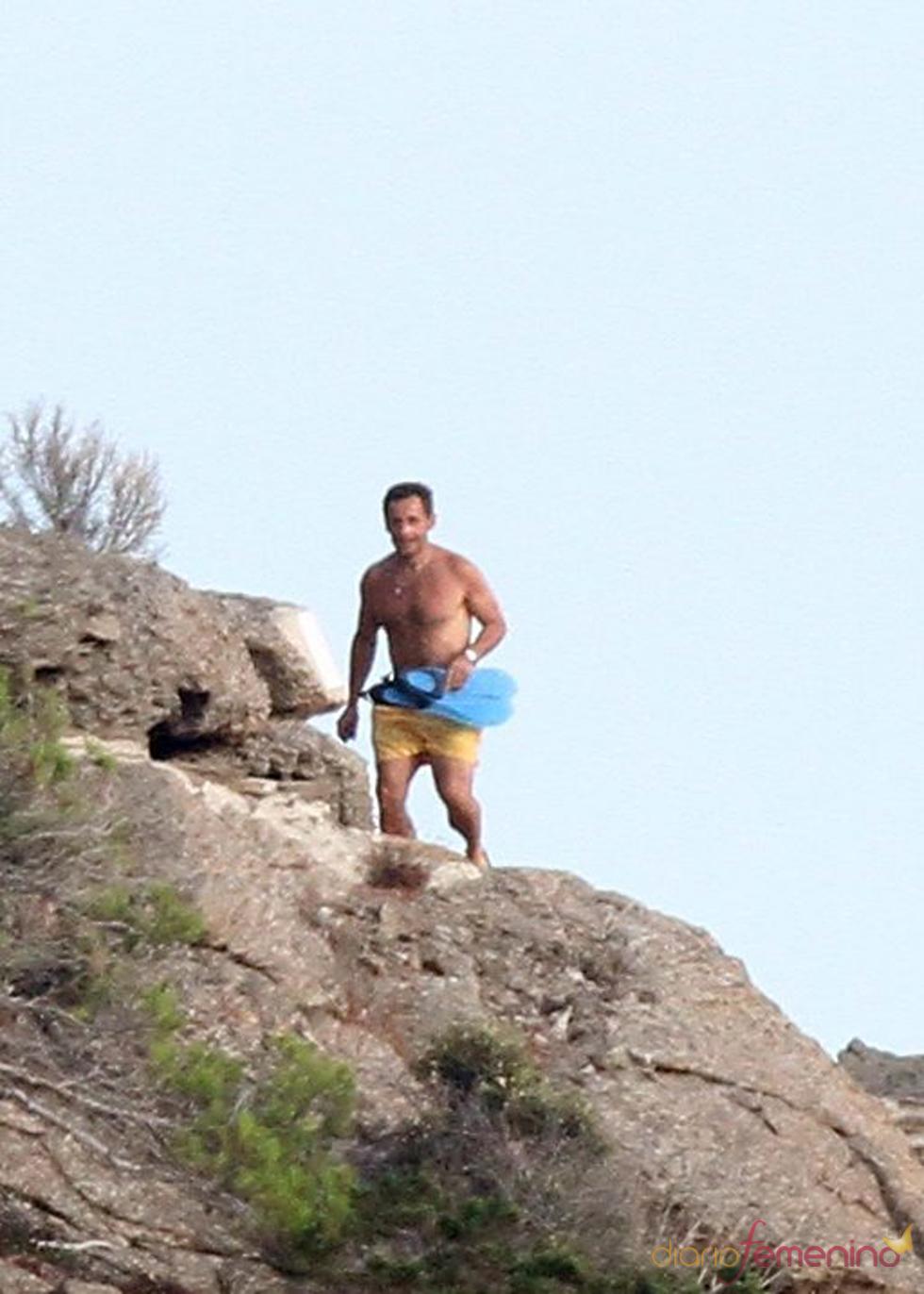 Nicolas Sarkozy en bañador