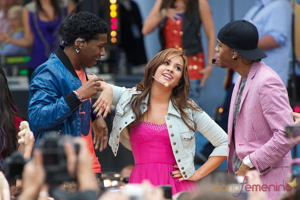 Demi Lovato canta y baila en Nueva York