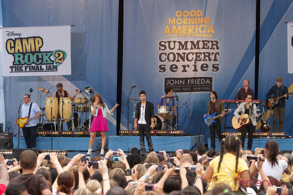 Concierto de Demi Lovato y los Jonas Brothers en Nueva York