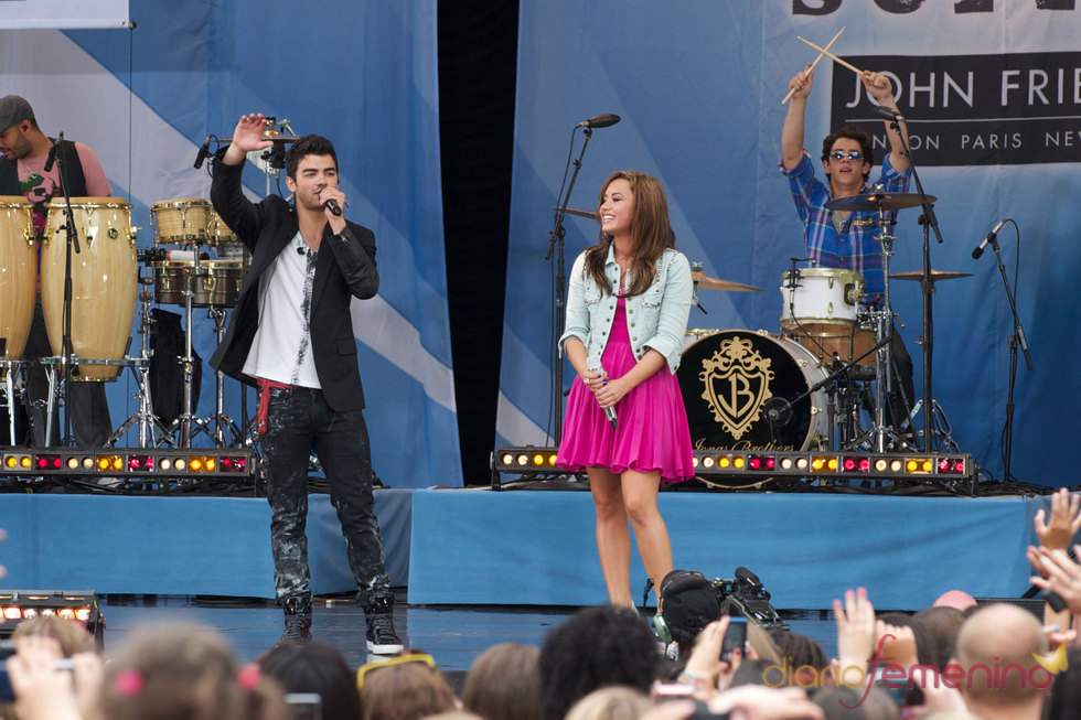 Joe Jonas canta con Demi Lovato como en 'Camp Rock'