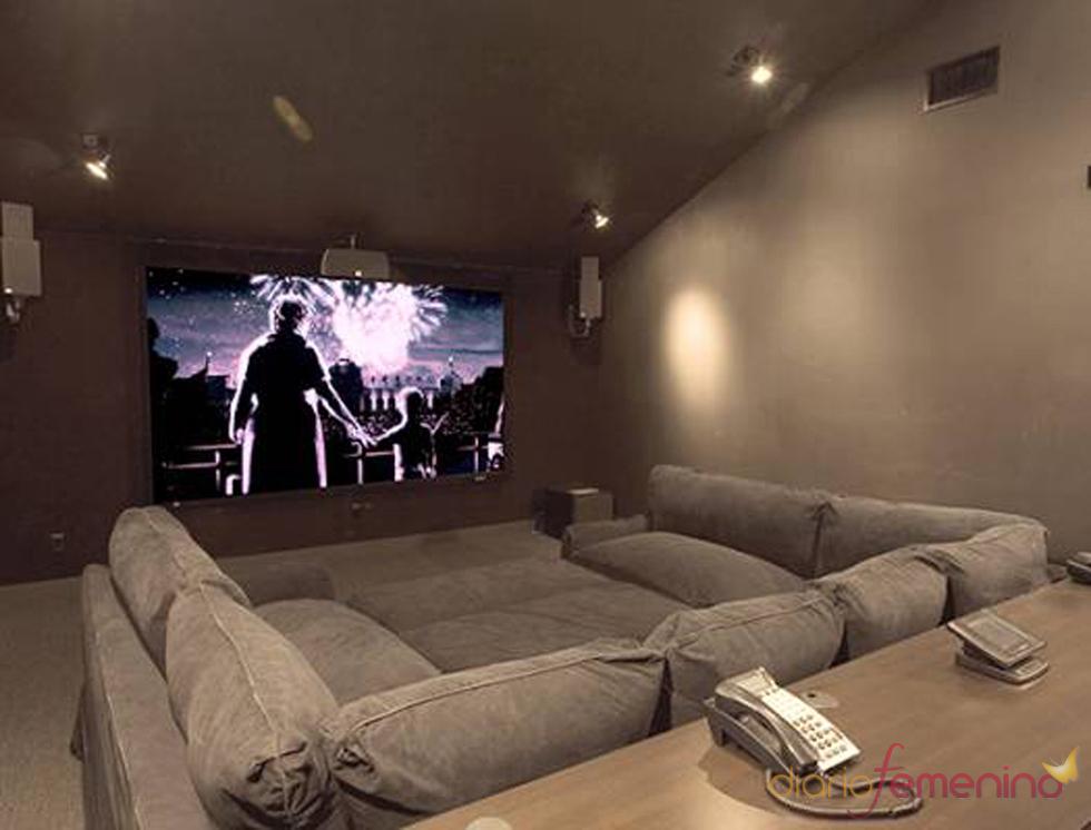 Sala de cine de la casa de los jonas brothers - Sala de cine en casa ...