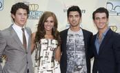 Los Jonas Brothers y Demi Lovato de estreno