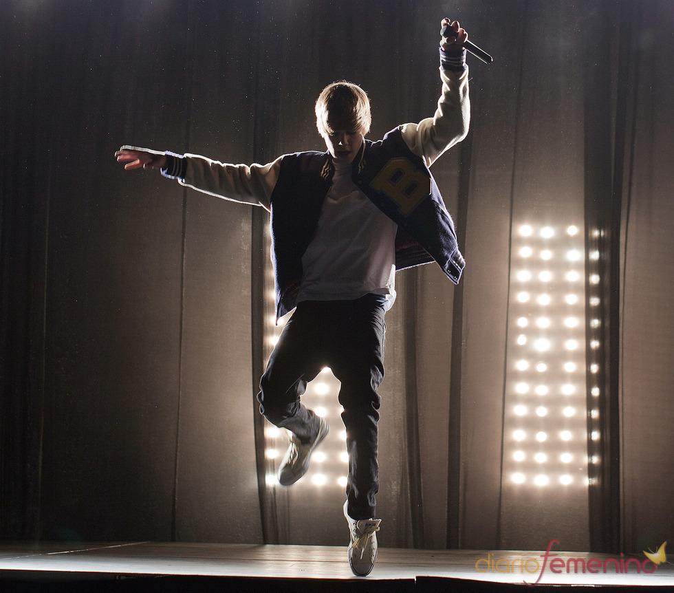 Justin Bieber baliando
