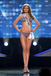 Anna Poslavska en la gala Miss Universo 2010