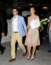 Victoria de Suecia y Daniel Westling antes de la boda de Nicolás de Grecia