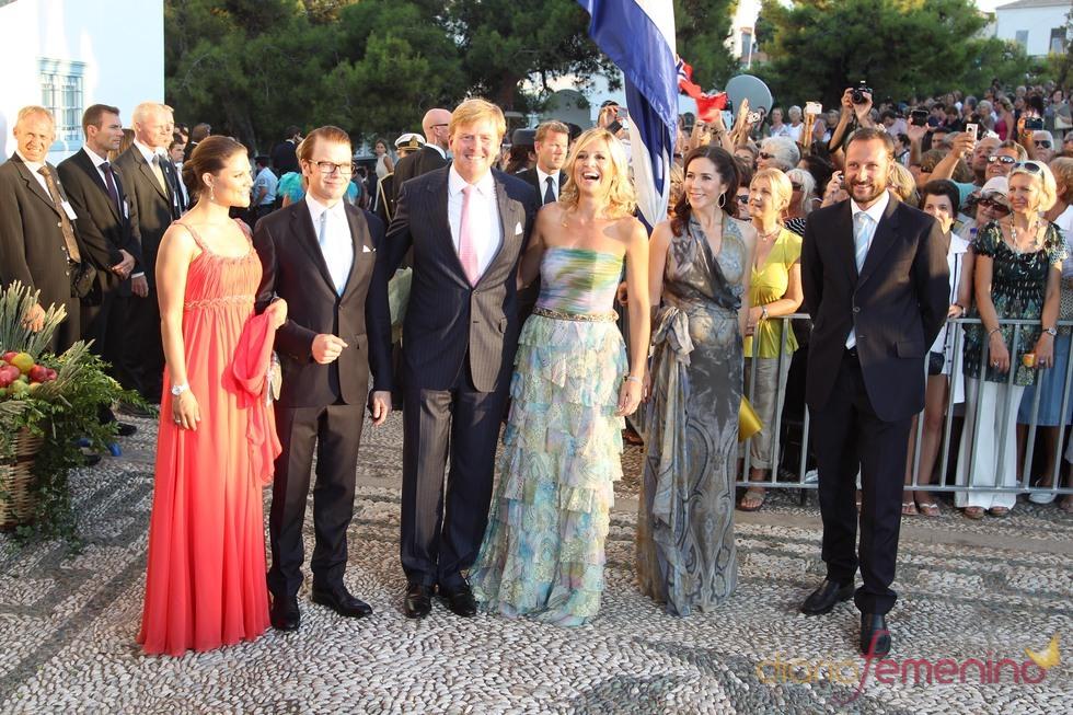 Miembros de las casas reales europeas en la boda de Nicolás de Grecia