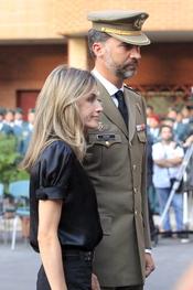 Los Principes de Asturias tristes por el asesinato de dos guardias civiles