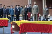 Los Principes de Asturias despiden a los guardias civiles asesinados