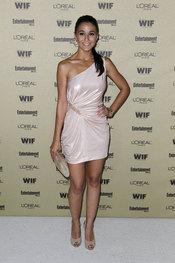 Emmanuelle Chriqui en la fiesta previa de los Premios Emmy 2010