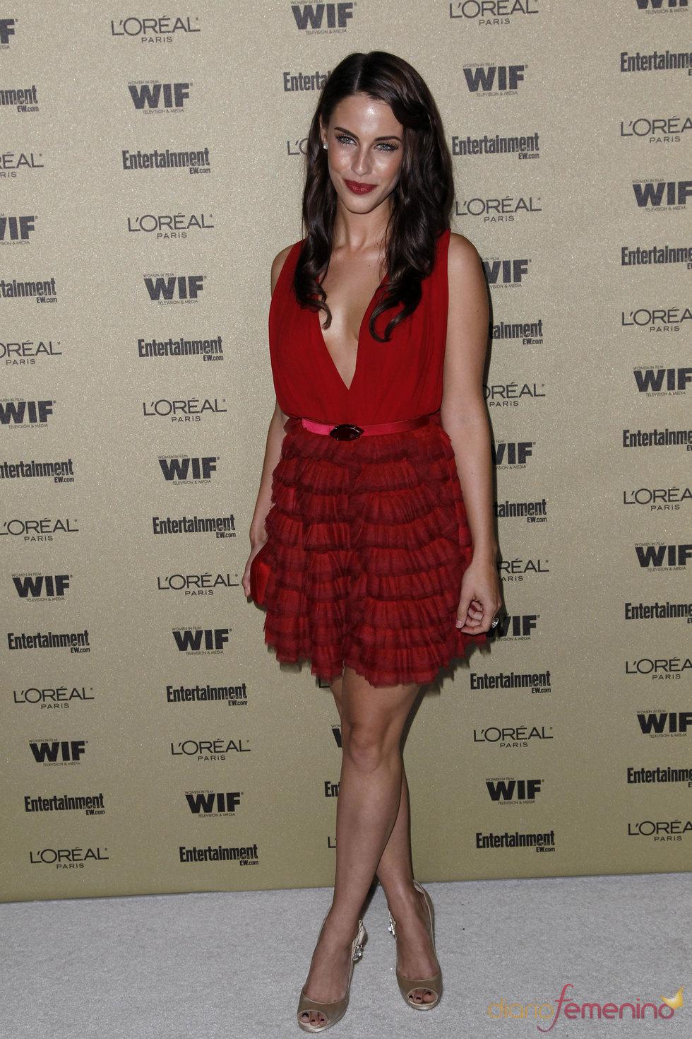 Jessica Lowndes en la fiesta previa de los Premios Emmy 2010