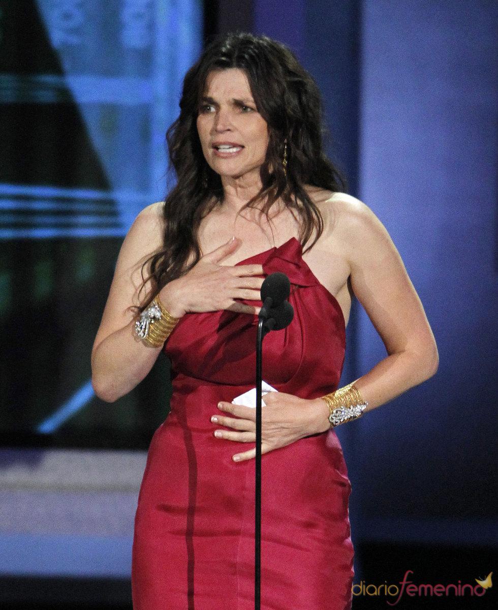 Julia Ormond gana el Emmy de mejor actriz secundaria en una miniserie