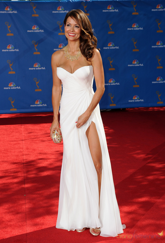 Brooke Burke en la alfombra roja de los premios Emmy 2010.