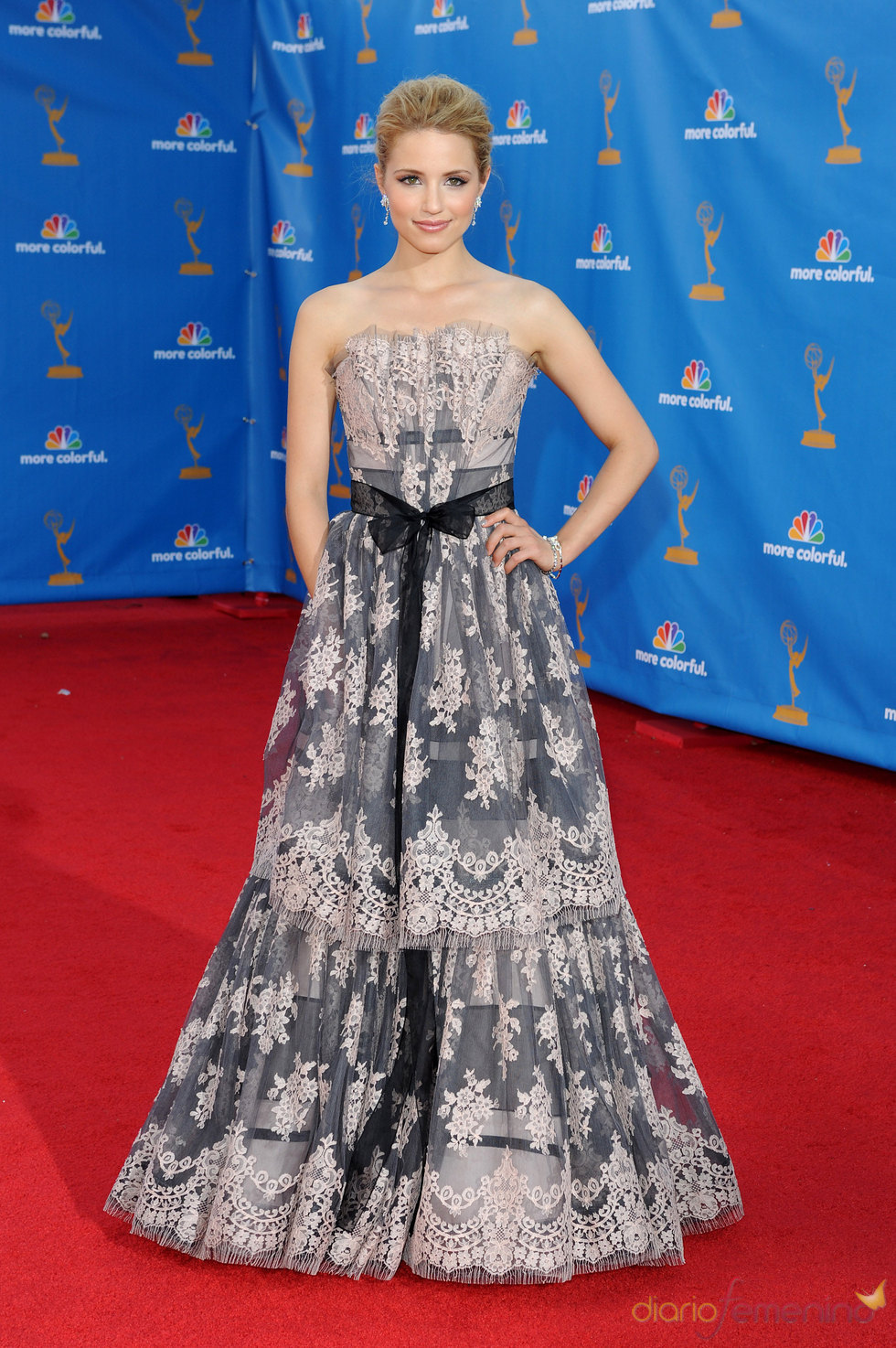 Dianna Agron de la serie 'Glee' en los Premios Emmy 2010
