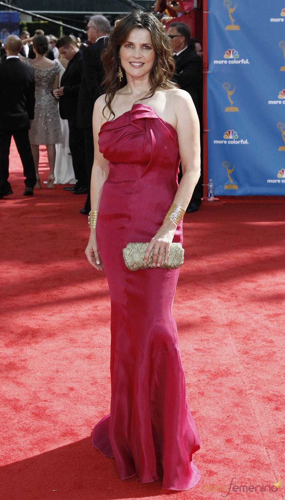 Julia Ormond en la alfombra roja de los premios Emmy 2010