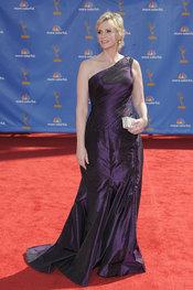 Jane Lynch de 'Glee' en la alfombra roja de los premios Emmy 2010