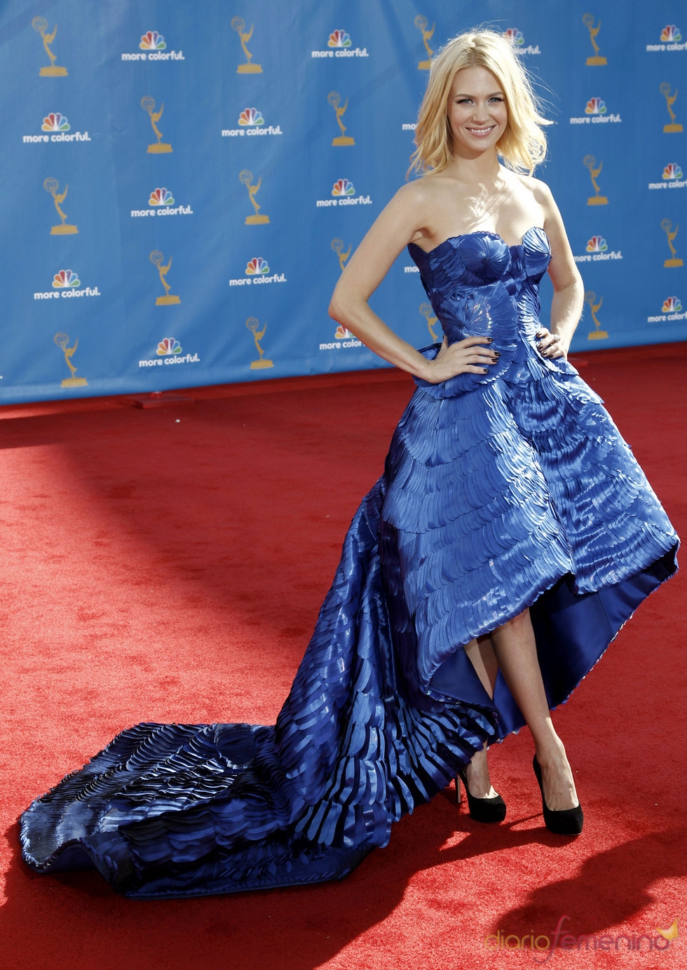 January Jones de 'Mad Men' en la alfombra roja