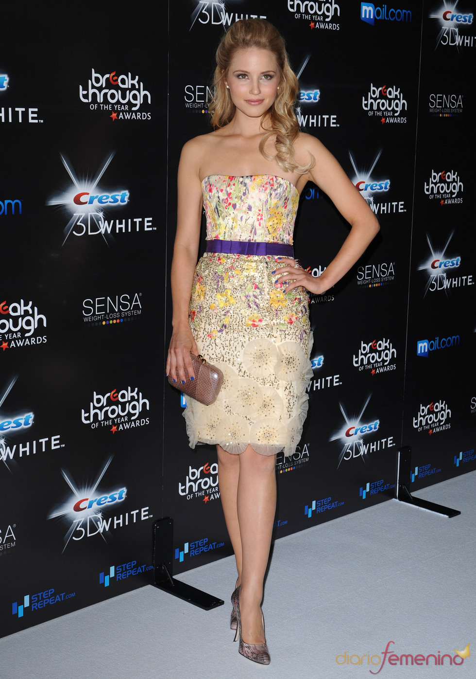 Dianna Agron con vestido floreado